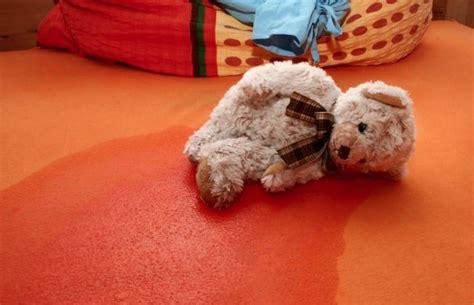 mi hijo se hace pipi en la cama 191 qu 233 hago para que no se haga pip 237 en la cama bbmundo