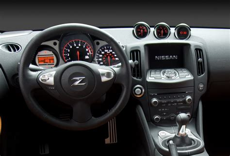 Nissan Z Interior by Asemik Nissan 370z New Features And Specifications