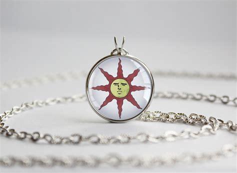 souls praise the sun pendants yaranaika trinket