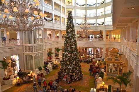 grand floridian christmas tree merry to the cast magic and memories