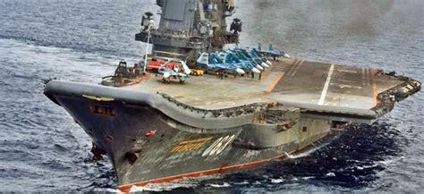 portaerei russa portaerei russa kuznetsov al largo coste siriane pronto