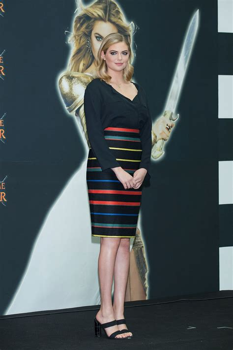 kate upton s game of war fire age commercial ups the kate upton at game of war fire age promotion in seoul