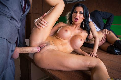 Jasmine Jae And Loulou In Parliamentary Pussy Brazzers Love