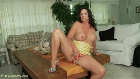 Tight Yellow Dress On Curvy Brunette Milf Milf Porn