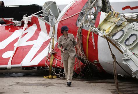 airasia crash airasia divers recover black box the daily star