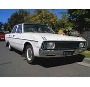 Chrysler VG Valiantjpg  Wikimedia Commons