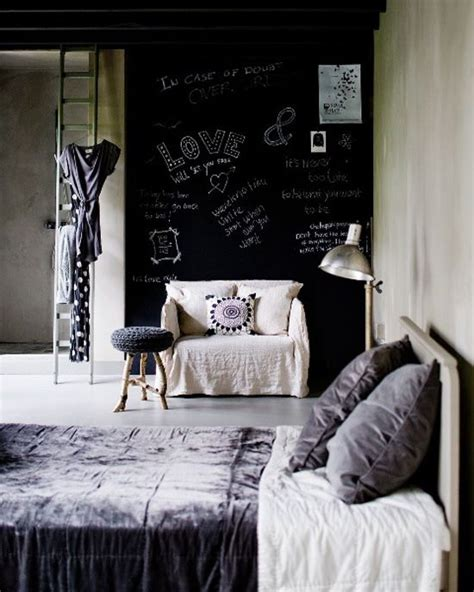 Cool Bedroom Accesories by 25 Cool Chalkboard Bedroom D 233 Cor Ideas To Rock Digsdigs
