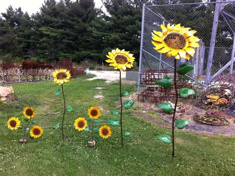 Sunflower Garden Decor 67 Quot Recycled Metal Sunflower Stake Yard Decor