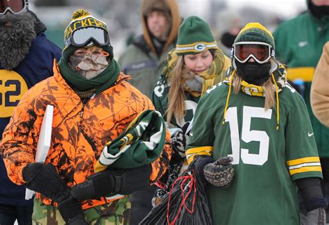 green bay packers fans green bay bundles up for what could be one of the coldest