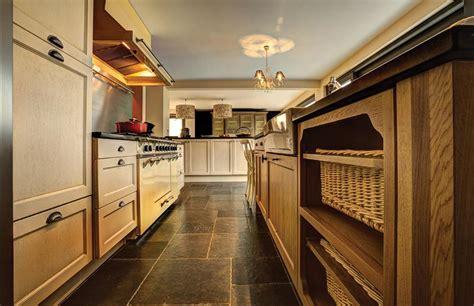 cuisiniste li鑒e cuisines am 233 nag 233 es salles de bains sur mesure