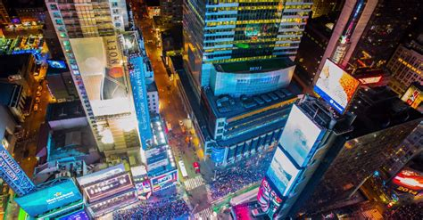 new year in times square 2014 new year s time lapse shows how times square rung in