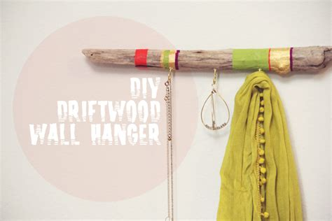 Hanger Diy - diy painted driftwood hanger 187 lovely indeed
