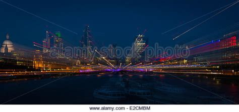river thames zoom focus photography night heron uk stock photos night heron uk stock images