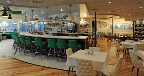 liberty kitchen oysterette hosts an evening of bubbly