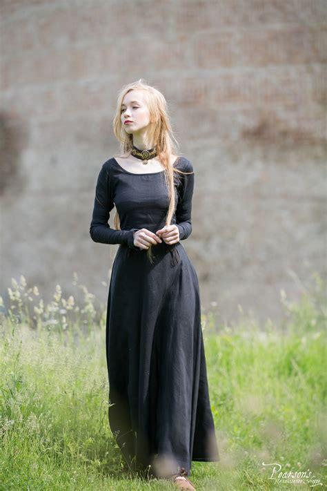 elise dress medieval renaissance clothing costumes