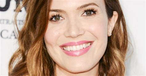 what year was the lob hairstyle created mandy moore s tousled waves created an effortless vibe