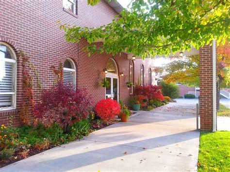 fall colors   entryway  arbor manor reception