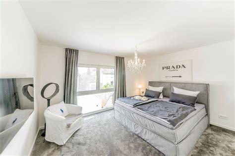 schlafzimmer teppichboden schlafzimmer mit teppichboden fischerhaus fertigh 228 user