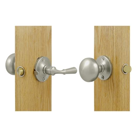 Screen Door Door Knobs by Beautiful Screen And Hardware Yesteryear S
