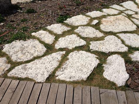 camminamento giardino immagini di pietre per viali o camminamenti esterni da