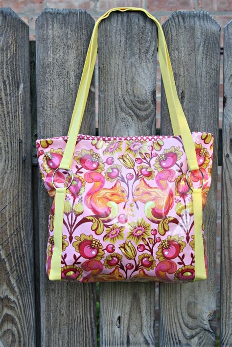 pattern for fabric bag tutorial the sawyer bag sew sweetness