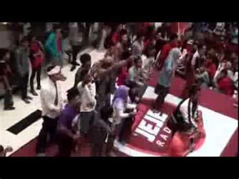 Blower Fan Surabaya flashmob koisuru fortune cookie jkt48 fans surabaya at