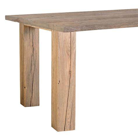 tavolo rustico camerette rosse e