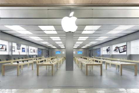 apple genius bar porta di roma un nuovo gigantesco apple store verr 224 aperto a roma in via