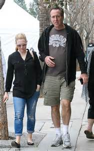 connecticut casual make up free melissa joan hart dresses down in casual