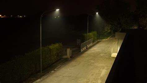 fari per illuminazione esterna fari led da esterno a muro e su palo illuminazione giardino