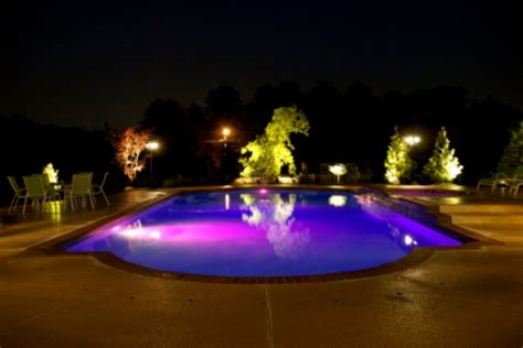 led pool lights 10 lightings to illuminate your swimming pool hometone