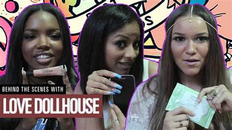 love doll house what s in our bags behind the scenes w love dollhouse youtube