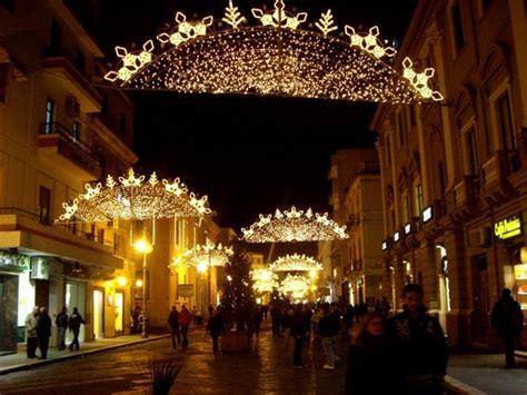 illuminazione natalizia salerno natalizia iniziative a crotone