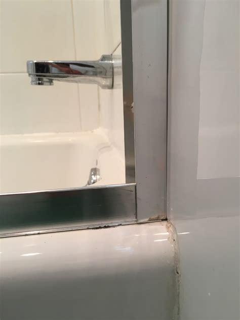Caulking A Shower Door by Shower Door Leakage Caulk Or Silicone