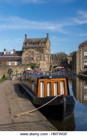 boat mooring leeds narrowboats moored by wharf at leeds and liverpool canal