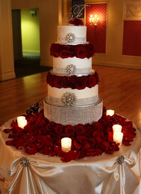 Pin Quinceanera Table Decorations Cake Encrusted Wedding Cake Gorgeous Wedding