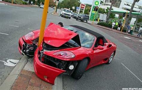 accident voitures de luxe 6   Tuxboard