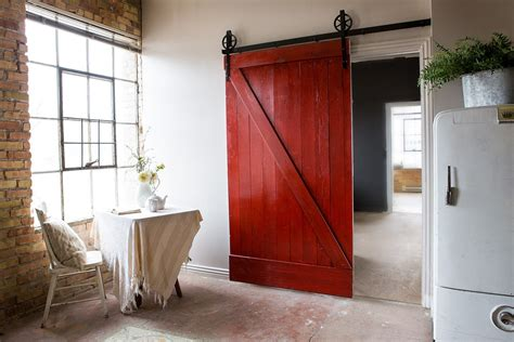 Barn Door Closet Sliding Doors by The Diy Sliding Barn Door Ideas For You To Use