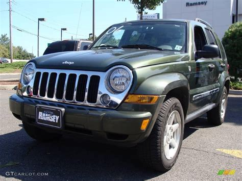 2006 green jeep liberty 2006 jeep green metallic jeep liberty limited 4x4