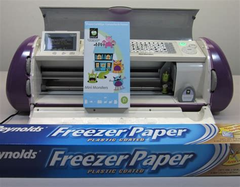 Make Freezer Paper - how to make a glow in the shirt using freezer paper