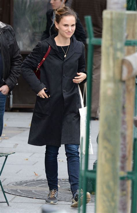 Natalie Portman Is Fashionable by Natalie Portman Style Out In November 2014
