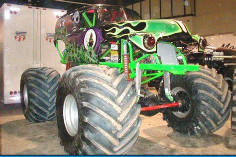 grave digger truck wiki grave digger 8 trucks wiki fandom powered by wikia