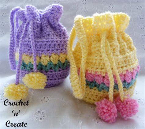 crochet pattern wrist purse tulip wrist purse free crochet pattern crochet n create