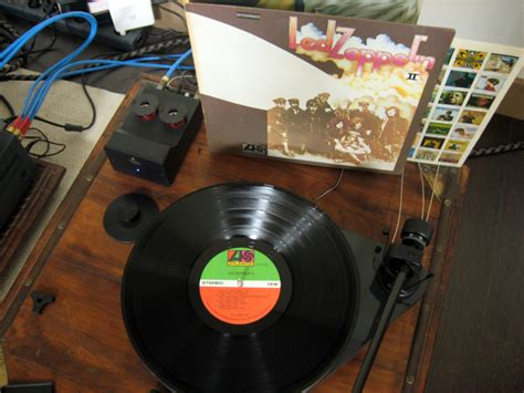 why vinyl sounds better why does led zeppelin ii sound so much better on vinyl