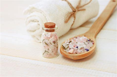 soaking in bathtub benefits epsom salt bath weight loss benefits ignore limits