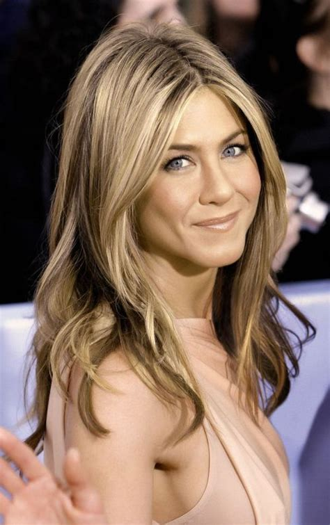 jennifer aniston long hairstyles popular haircuts jennifer s aniston s haircut looks amazing on an oval