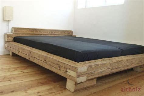 bettgestell aus holz bettgestell aus altholz balken mit originaler
