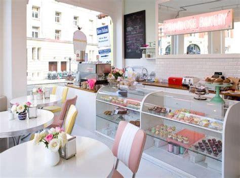layout toko kue interior toko kue yang unik dan menarik arsitektur