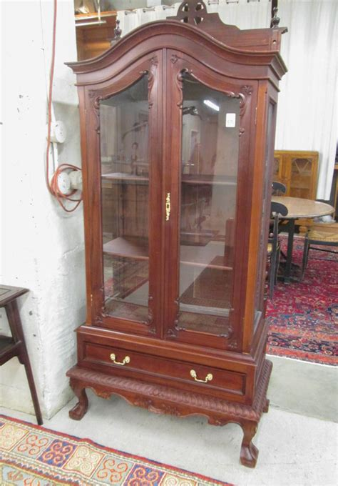 Mahogany China Cabinet by Chippendale Style Mahogany China Cabinet On Stand