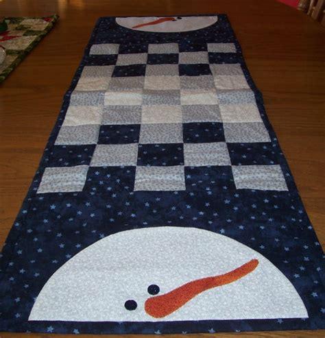 snowman table runner sew mug rug table runner